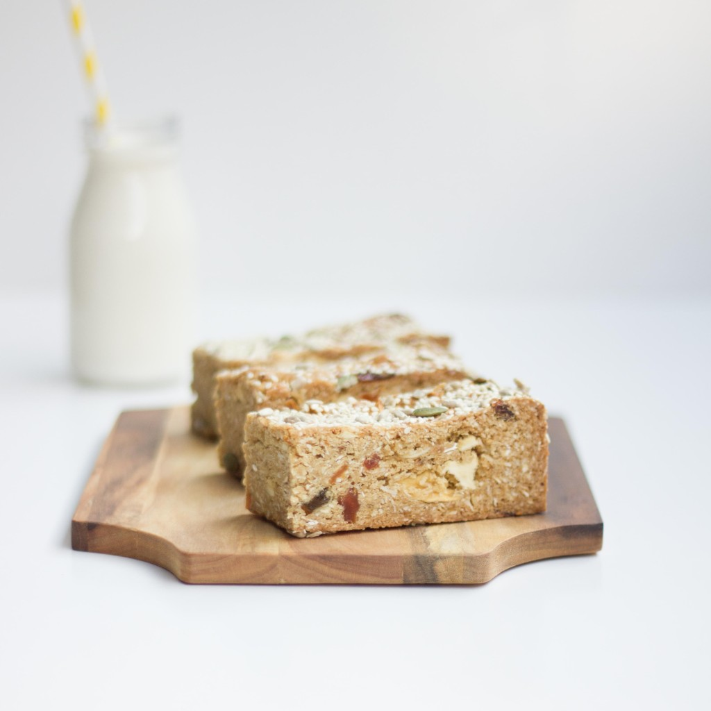Nashi's breakfast muesli bars